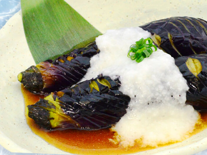 茄子の揚げびたしとろろ掛けの料理写真